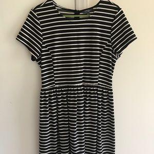 Black & White Peter Som Dress Size large